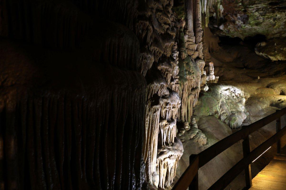 Gümüşhane'nin Karaca Mağarası turistlerin ilgi odağı oldu #3