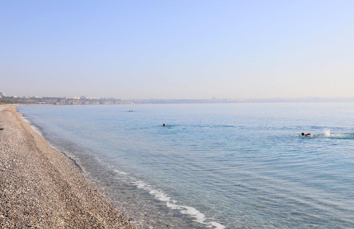 Vaka artışı yüzde 100 Antalya da, sahiller turist ve köpeklere kaldı #6