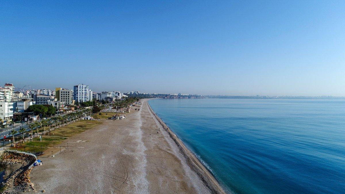 Vaka artışı yüzde 100 Antalya da, sahiller turist ve köpeklere kaldı #5