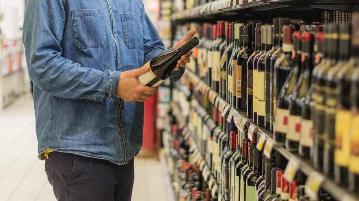 Hafta sonu alkol satışına yasak geldi