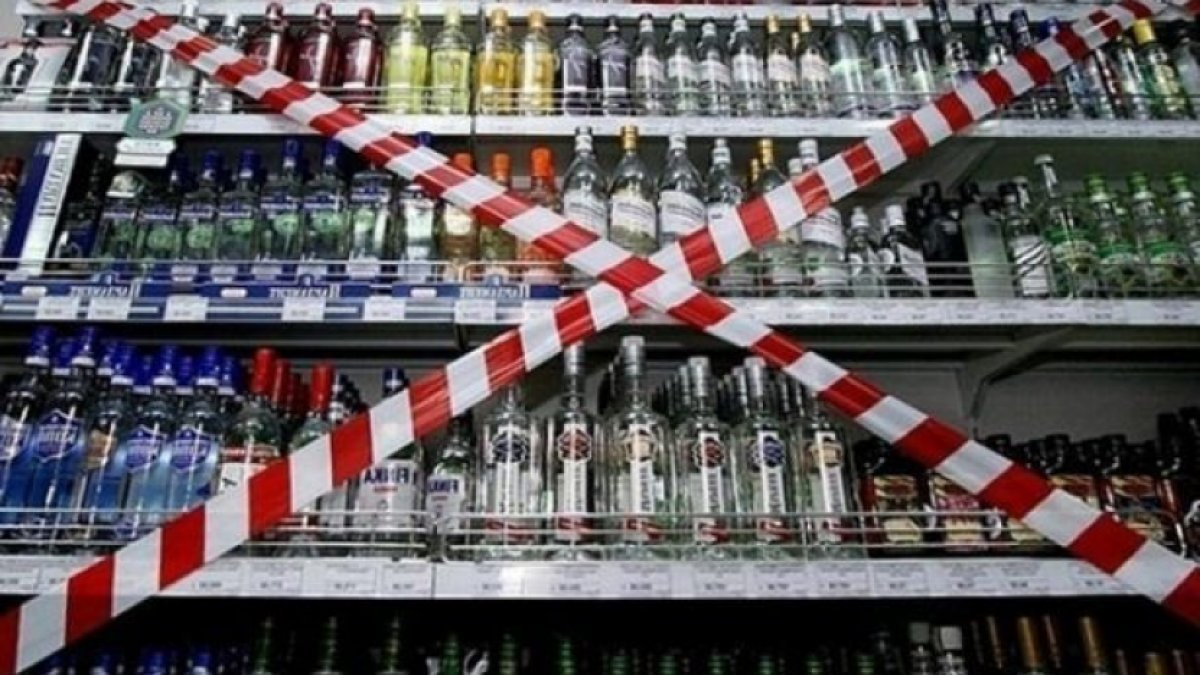 Hafta sonu alkol satışına yasak geldi #1