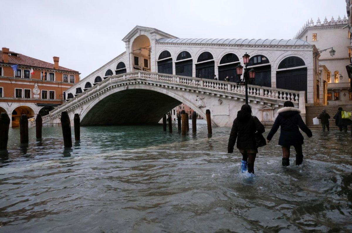 Venedik sular altında kaldı #7