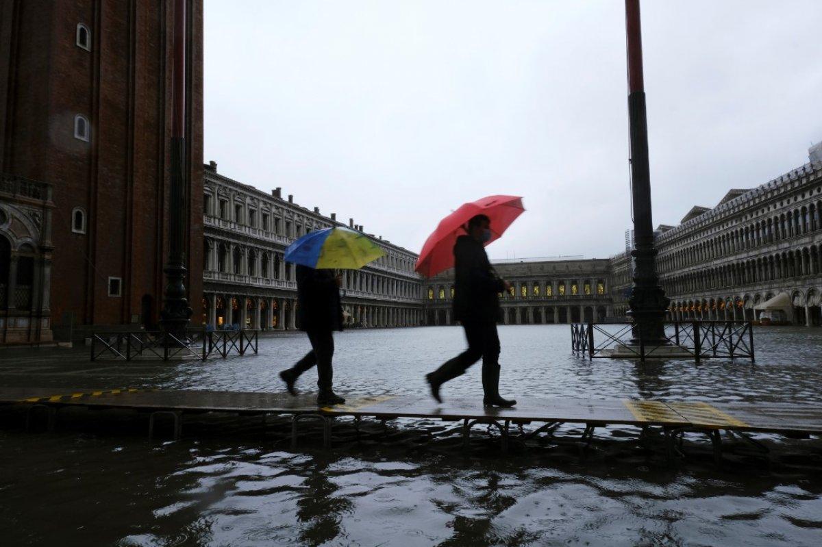 Venedik sular altında kaldı #10