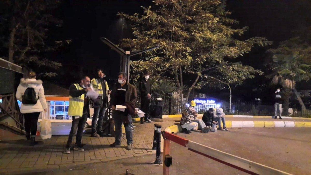 İstanbul da yemekten zehirlenen 200 işçi hastaneye kaldırıldı #2