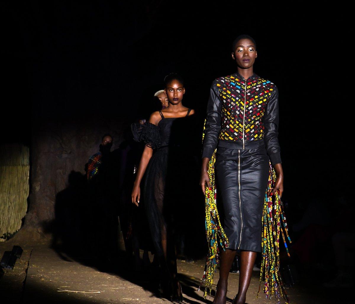 dakar moda haftasi baobap agaclari altinda duzenlendi 2542
