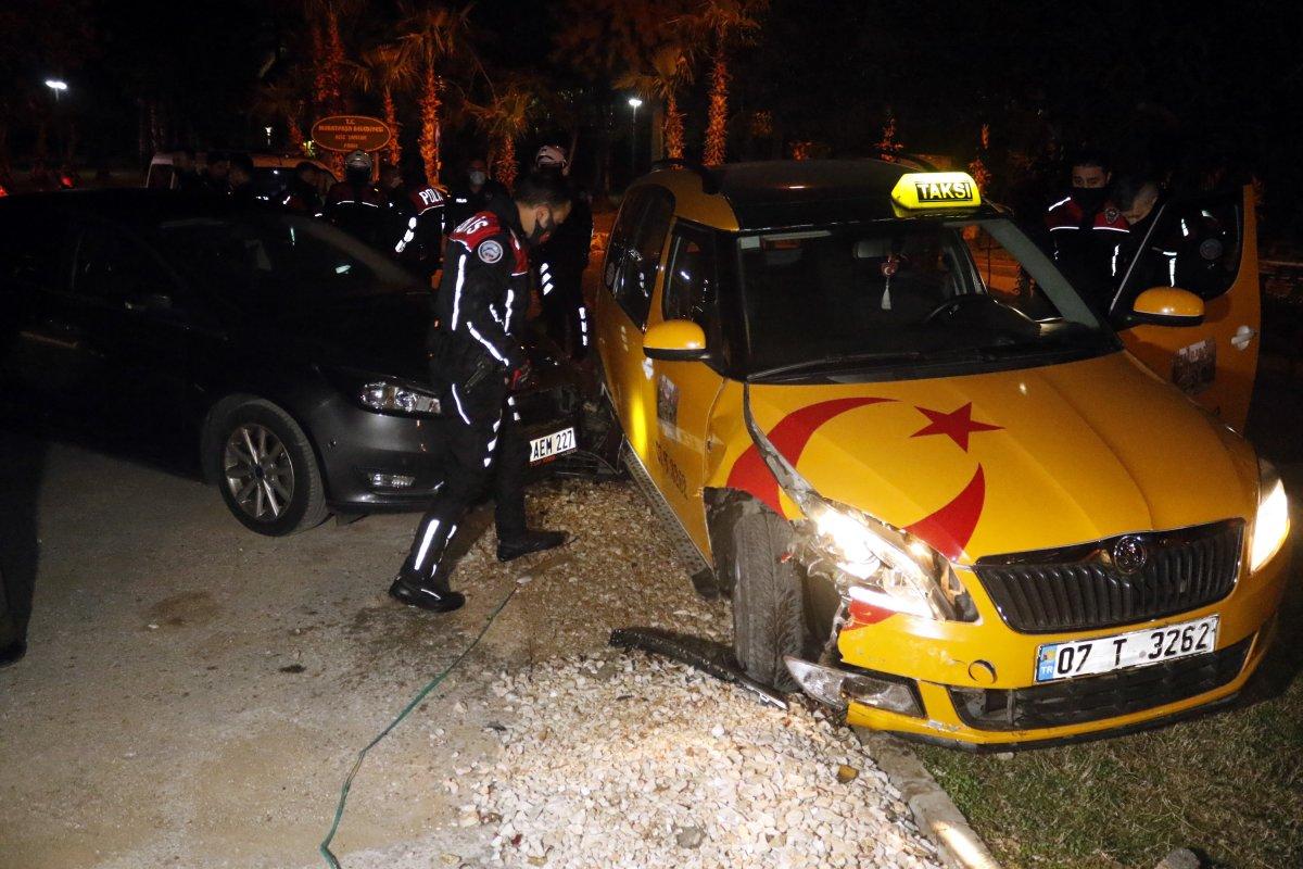 Antalya da taksi çalan şüpheli, polis tarafından yakalandı #4