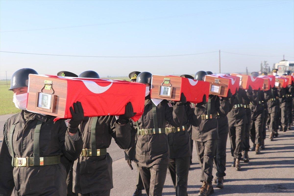 KKTC de katledilen 14 şehit, 46 yıl sonra toprağa verildi #10