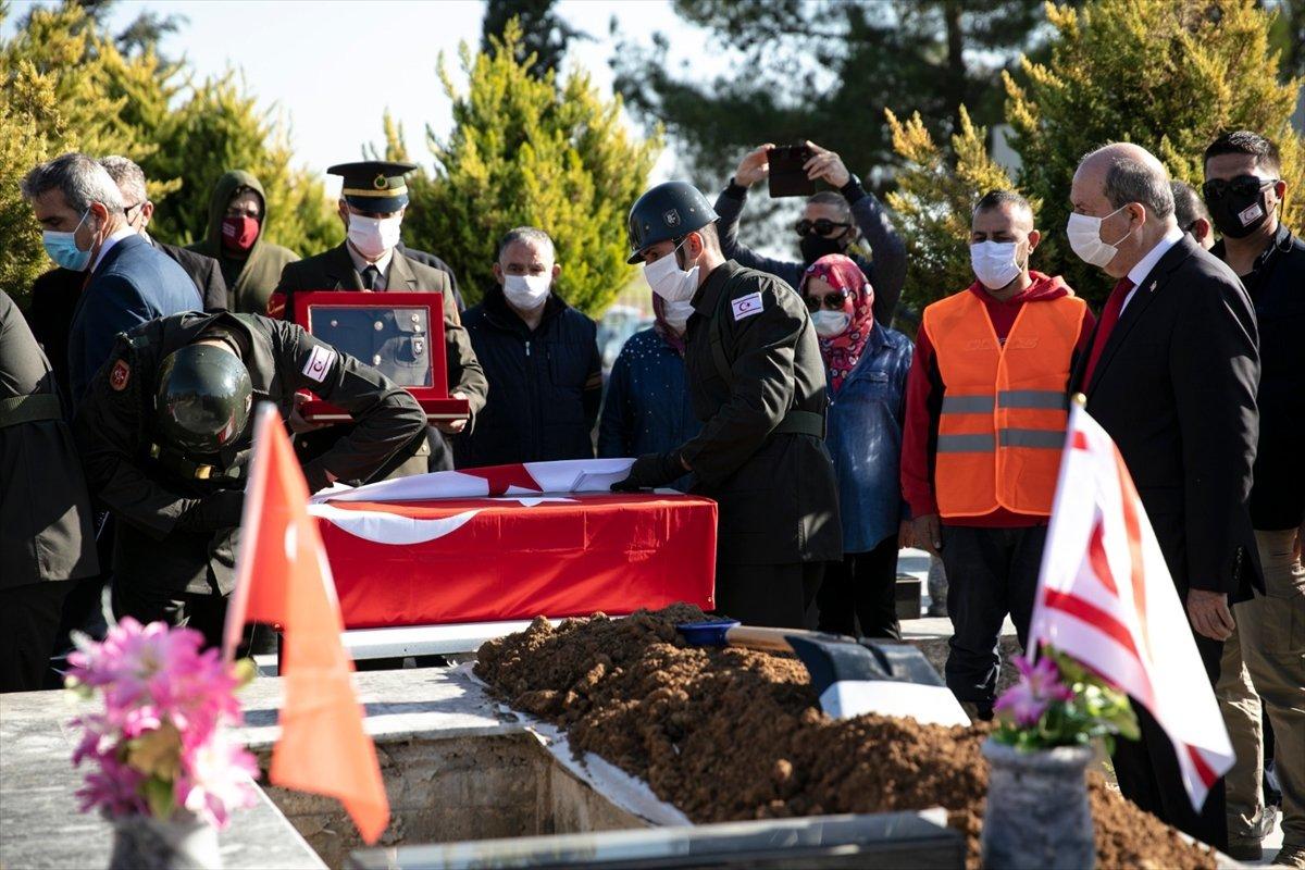 KKTC de katledilen 14 şehit, 46 yıl sonra toprağa verildi #3
