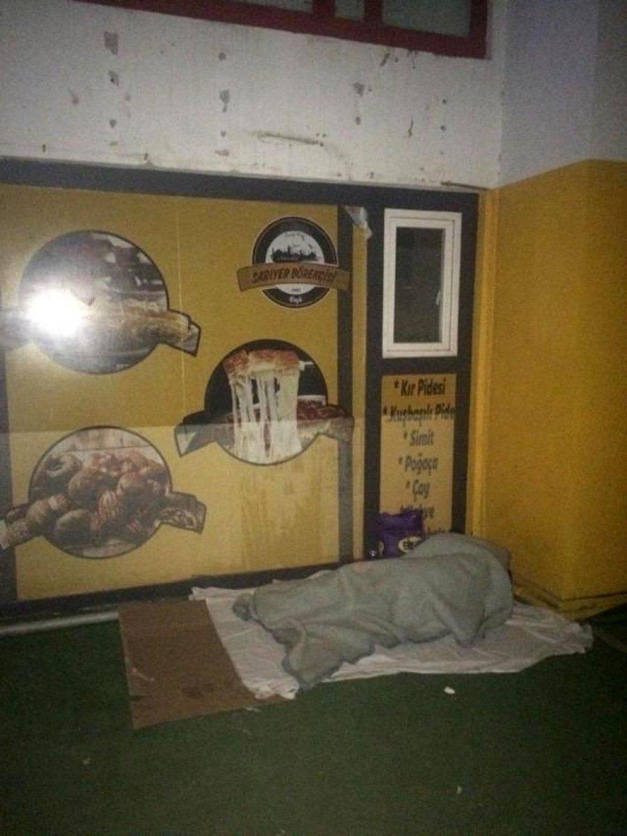 Antalya da ceza kesilen evsiz sokakta uyurken bulundu #4