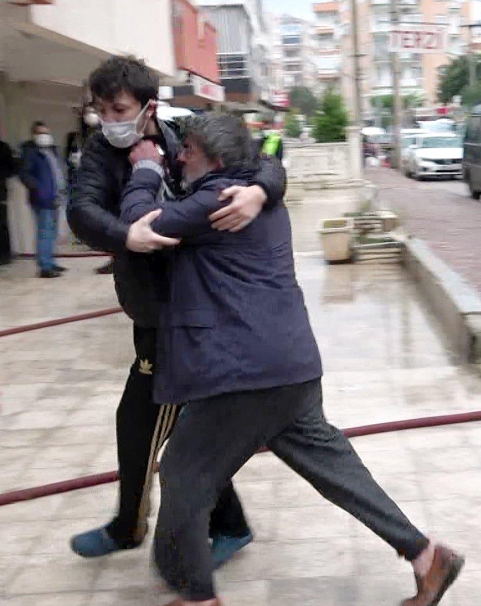 Antalya da madde bağımlısı şahıs evini ateşe verdi #2