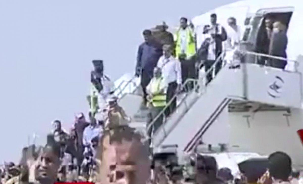 Yemen'deki Aden Havaalanı'nda büyük bir patlama meydana geldi #1