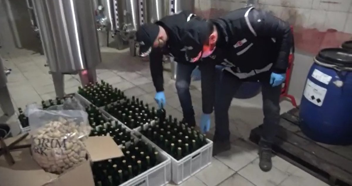 Bursa'da yılbaşı gecesi öncesi 10 ton sahte içki ele geçirildi #2