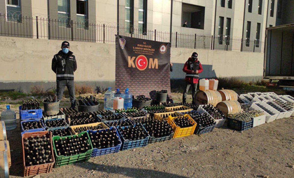 Bursa'da yılbaşı gecesi öncesi 10 ton sahte içki ele geçirildi #11