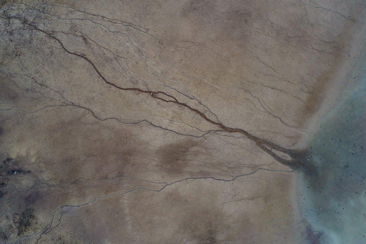 Turkuaz Gölde Su, 100 metre çizilmiş # 10