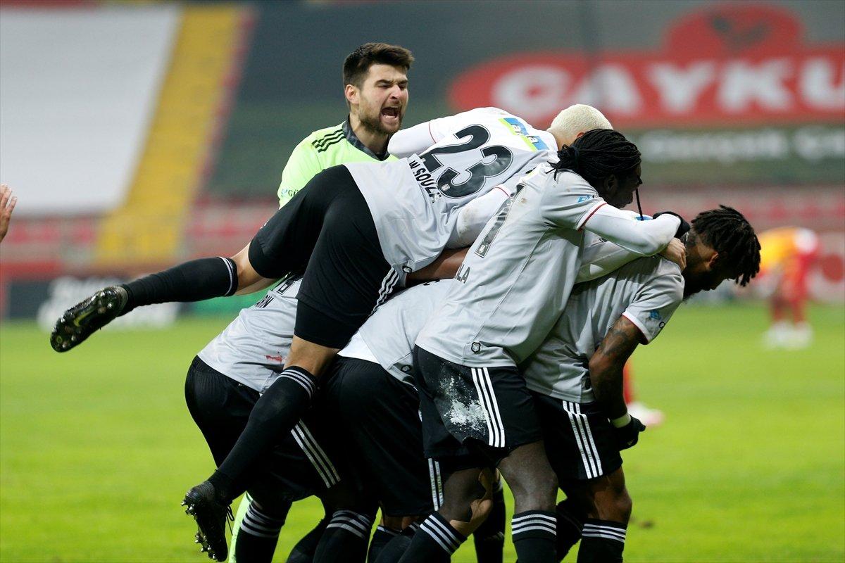 Beşiktaş Kayserispor u 2 golle yenerek lider oldu #1