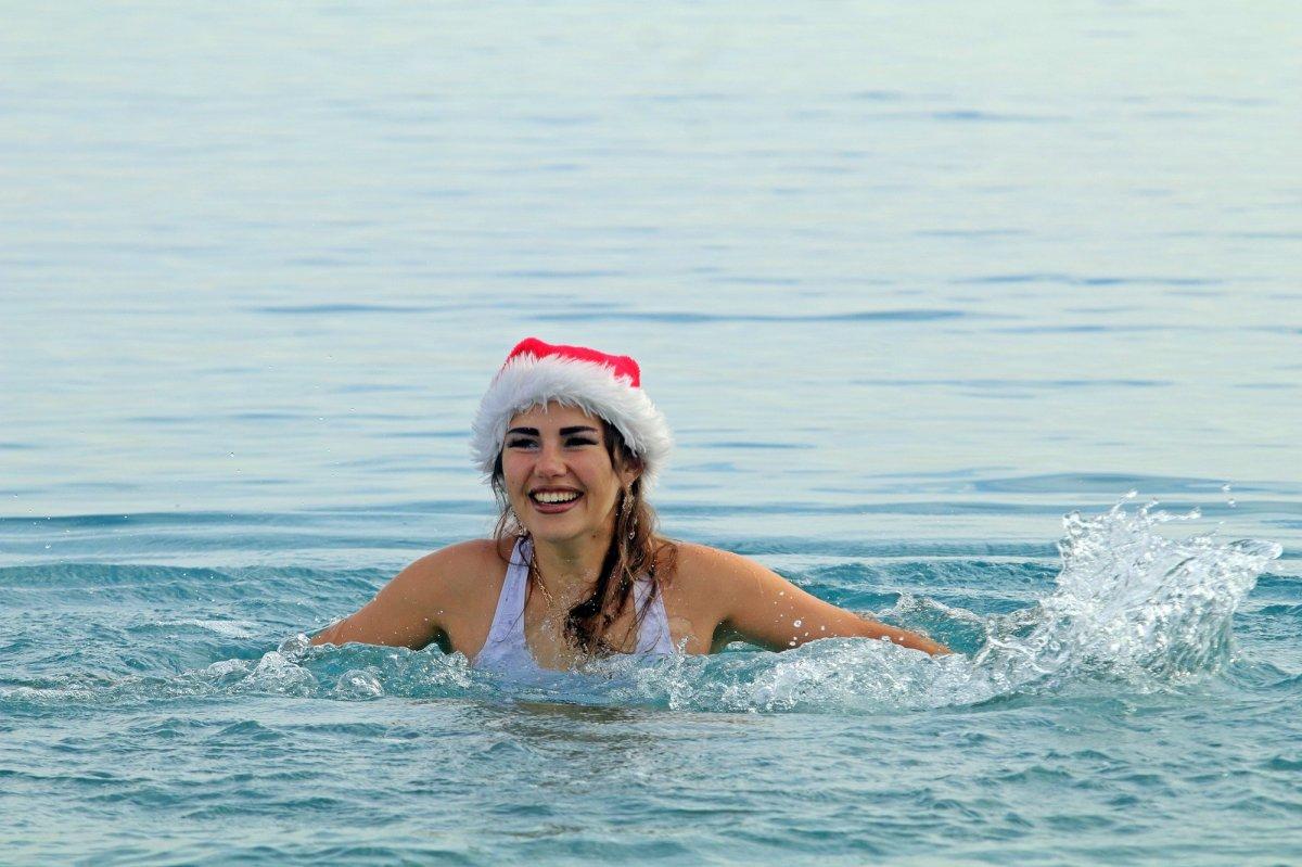 Türkiye aşığı Rus turistin Antalya daki deniz keyfi #2