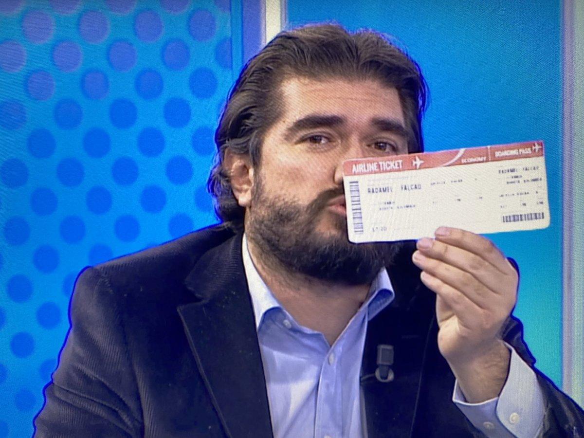 Rasim Ozan Kütahyalı dan Radamel Falcao ya bilet #1