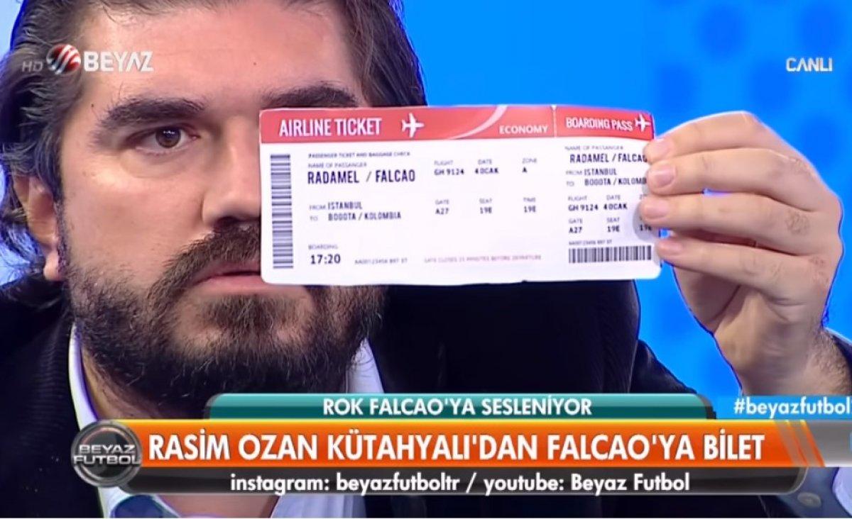 Rasim Ozan Kütahyalı dan Radamel Falcao ya bilet #2