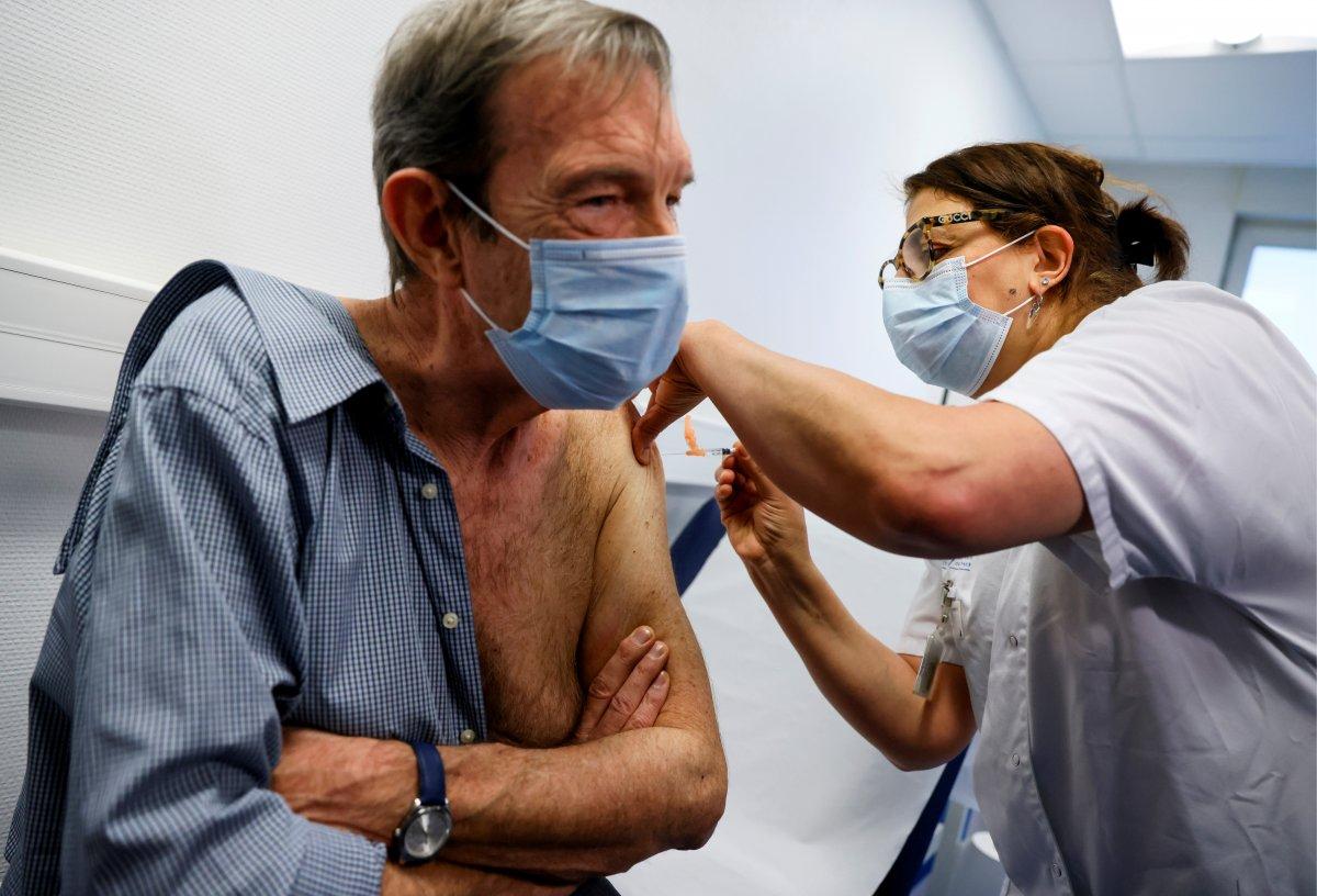 Fransa da aşı kampanyası alay konusu oldu #1