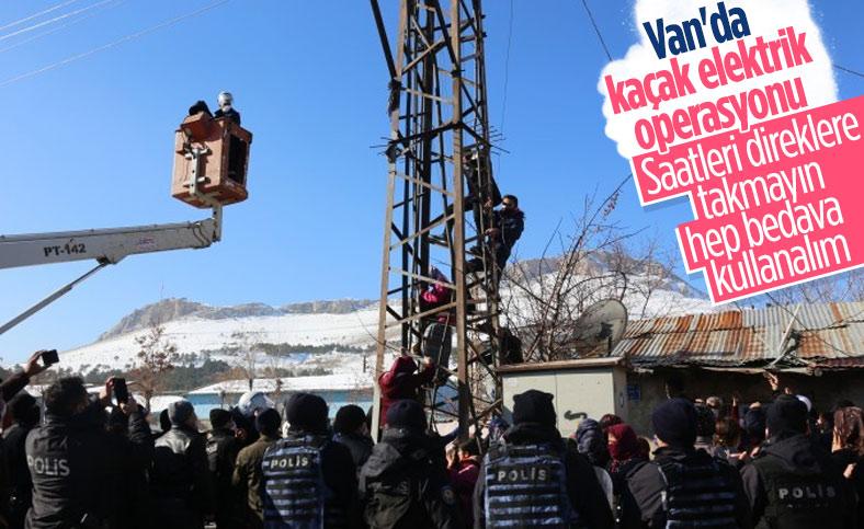 Van'da kaçak elektriği engellemeye çalışan ekiplere müdahale