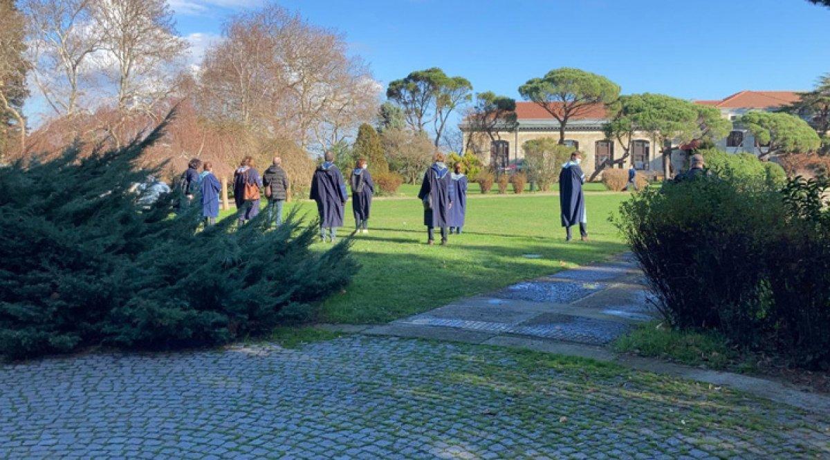 Boğaziçi Üniversitesi nde akademisyenler, devir-teslim törenini protesto etti #1