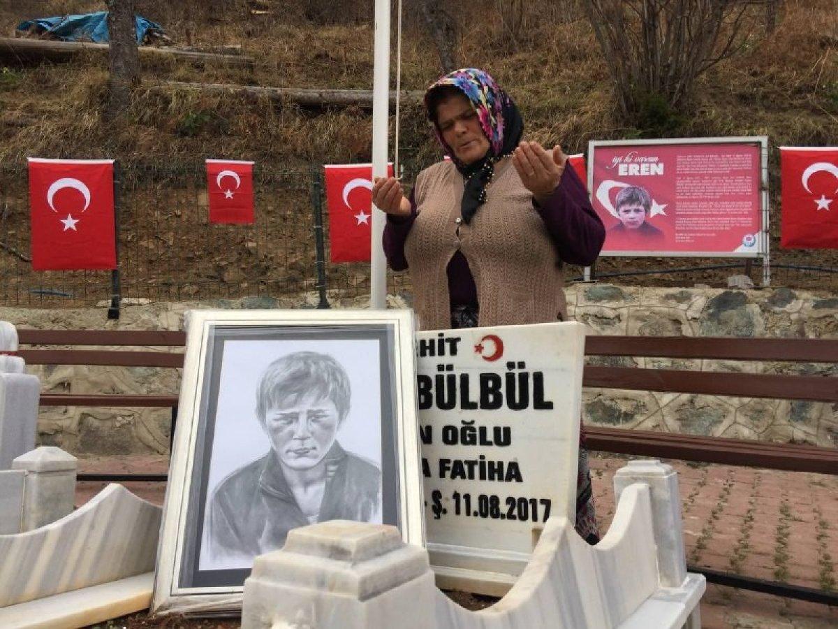 Eren Bülbül ün acılı annesinden Mehmetçiklere dua #1