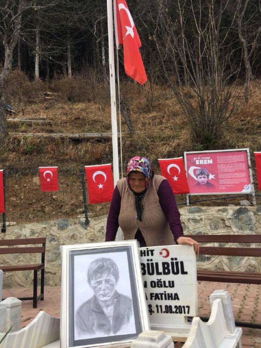 Eren Bülbül ün acılı annesinden Mehmetçiklere dua #3