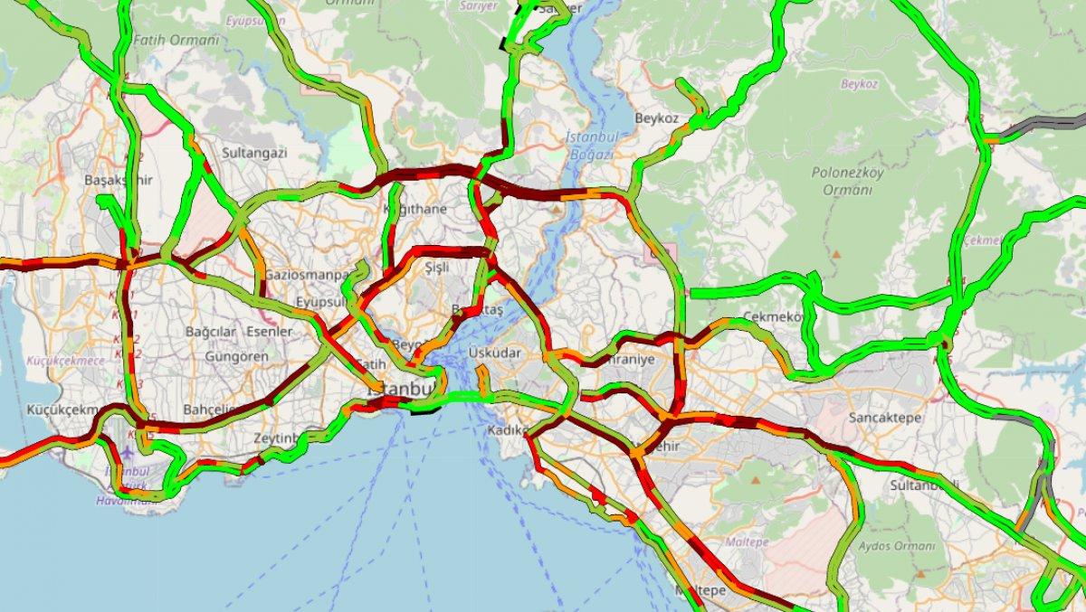 İstanbul da trafik yoğunluğu yüzde 75 e ulaştı #1