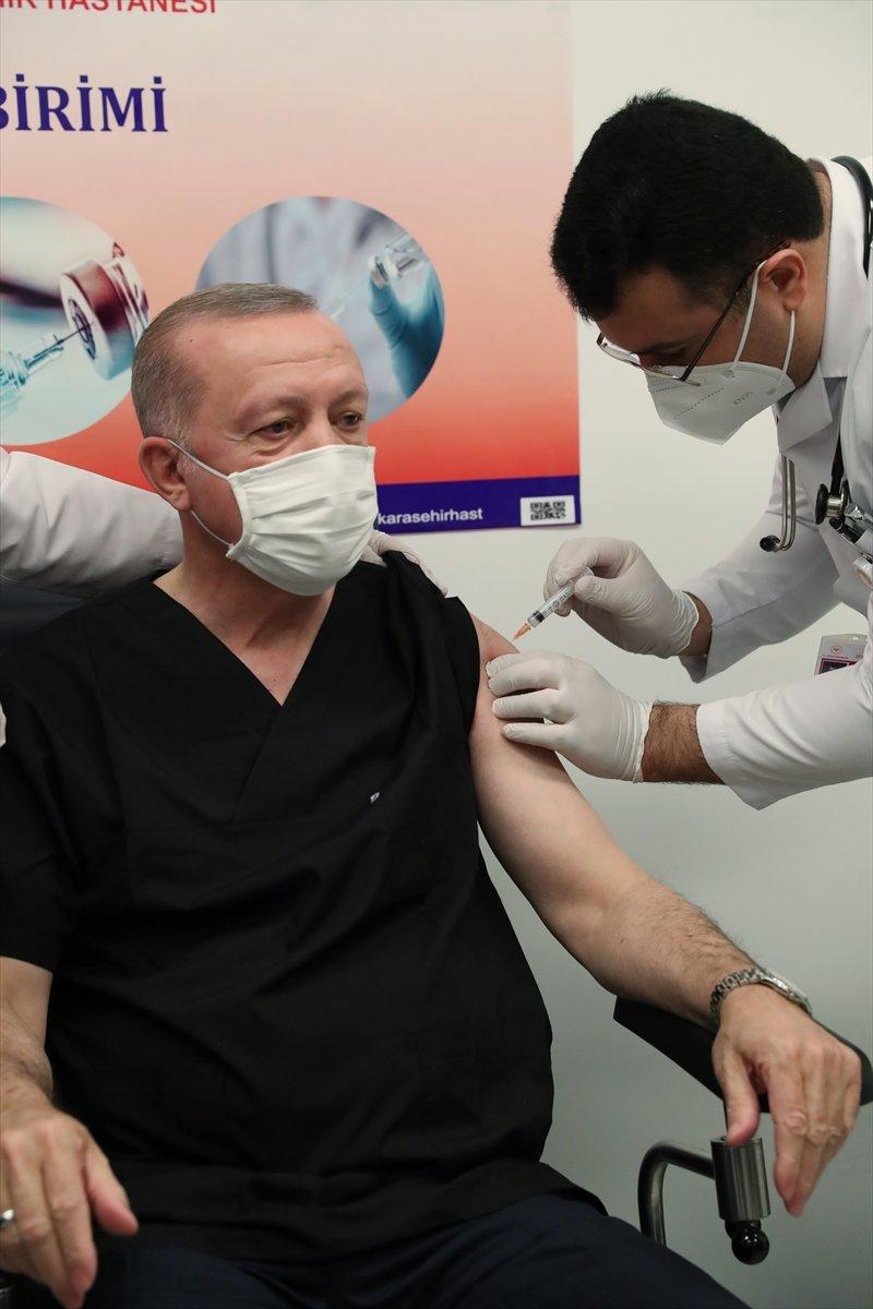 Erdoğan: Diğer siyasi parti liderlerinin de aşı yaptırmasını tavsiye ediyorum #1