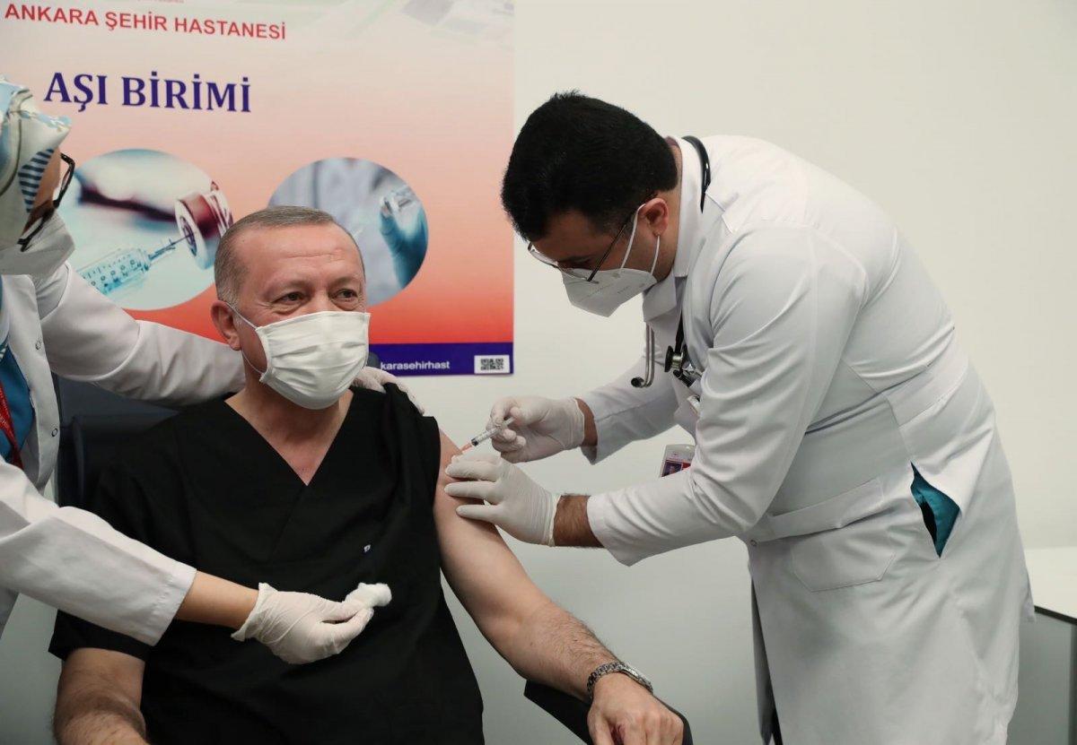 Cumhurbaşkanı Erdoğan, koronavirüs aşısı yaptırdı #4