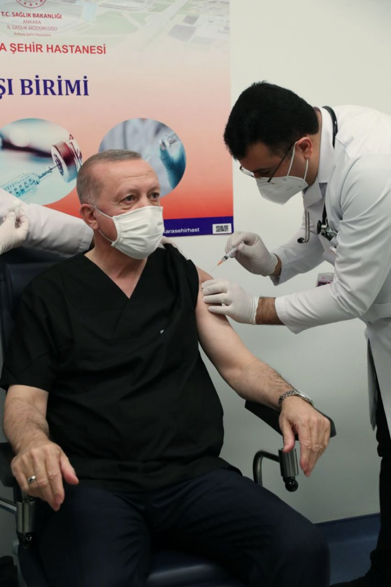 Cumhurbaşkanı Erdoğan, koronavirüs aşısı yaptırdı #3