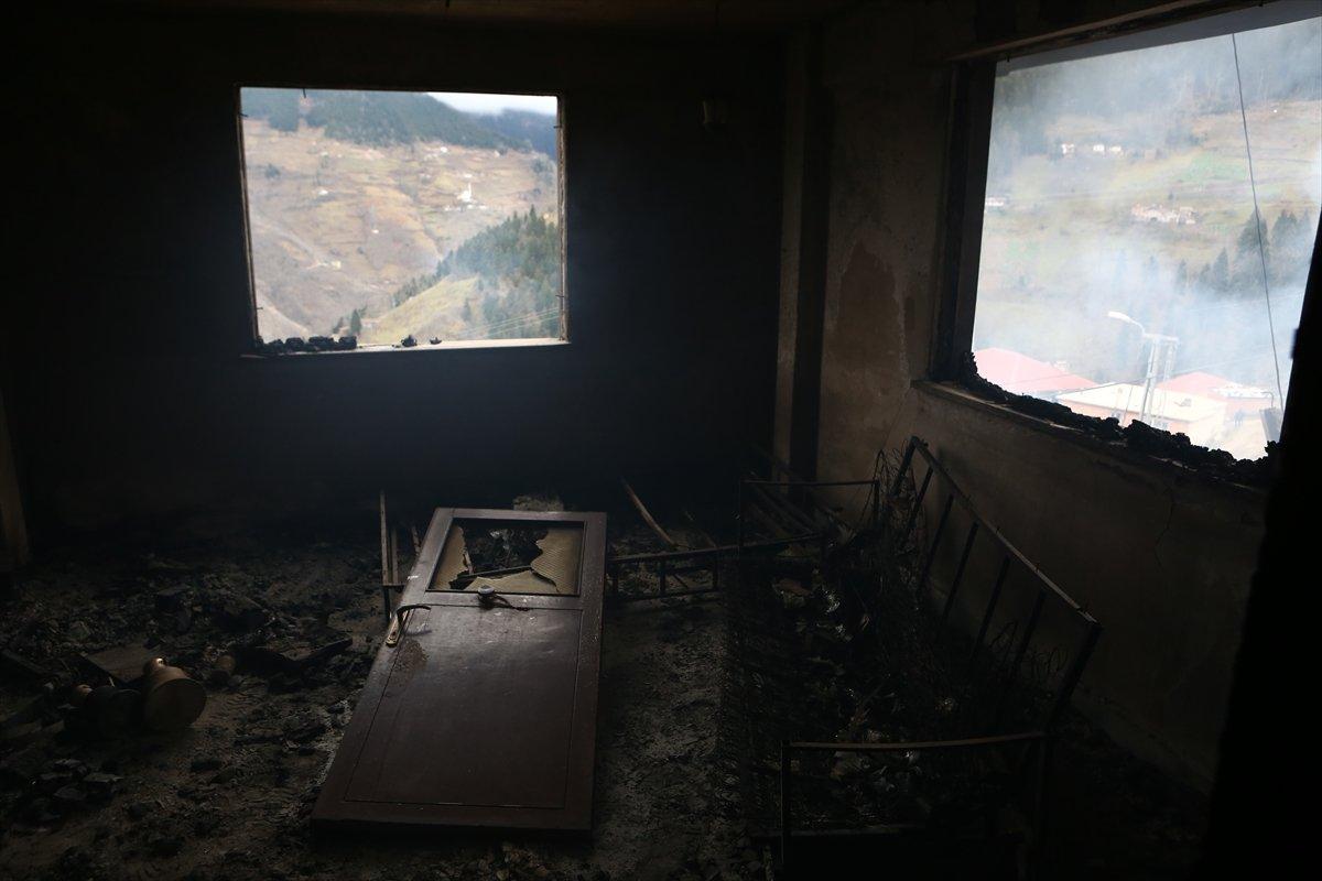 Trabzon da yangınla yok olan mahallede hasar tespiti yapılıyor #5