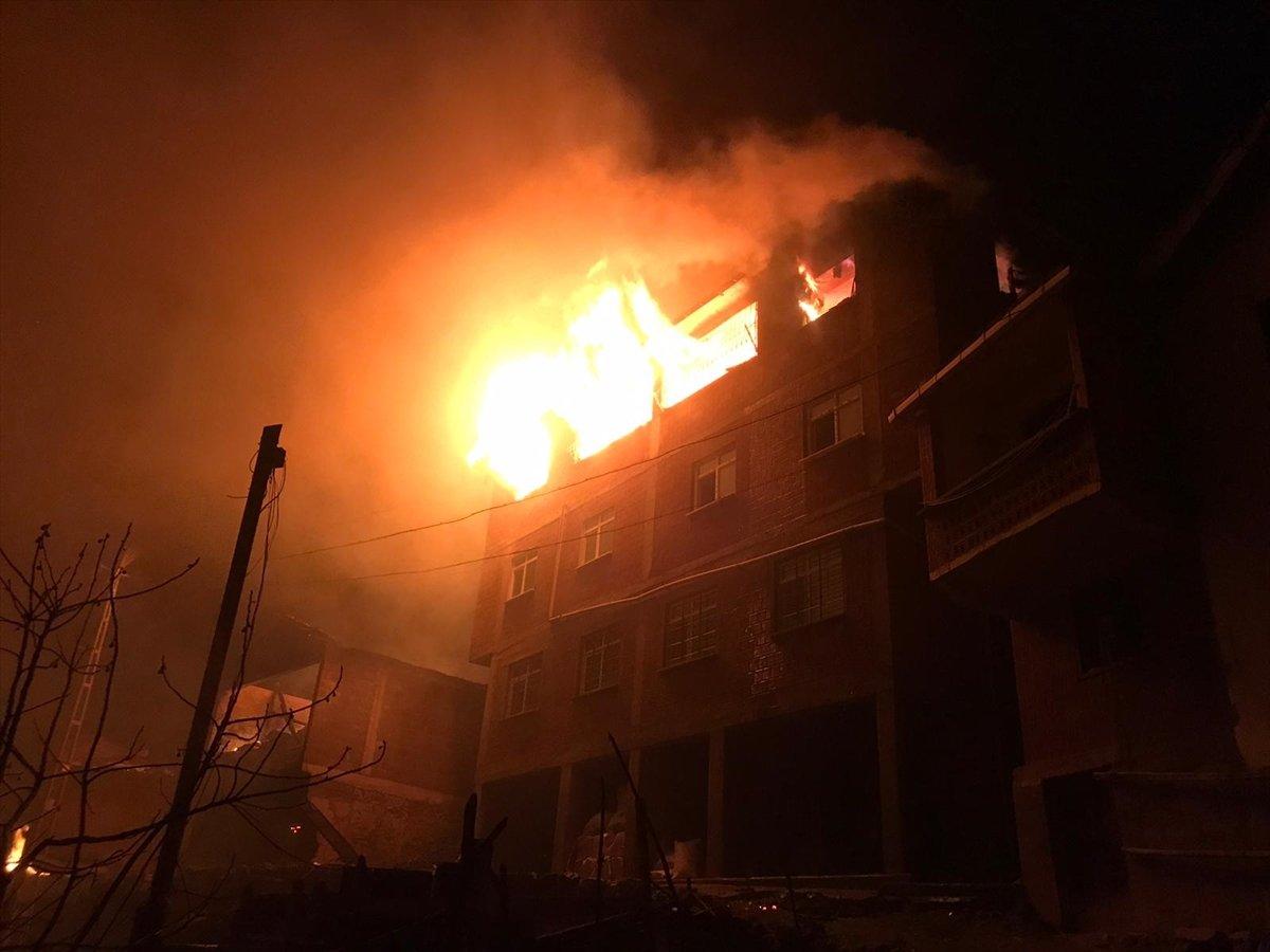 Trabzon da yangınla yok olan mahallede hasar tespiti yapılıyor #2