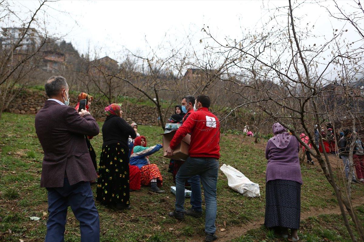 Trabzon da yangınla yok olan mahallede hasar tespiti yapılıyor #18