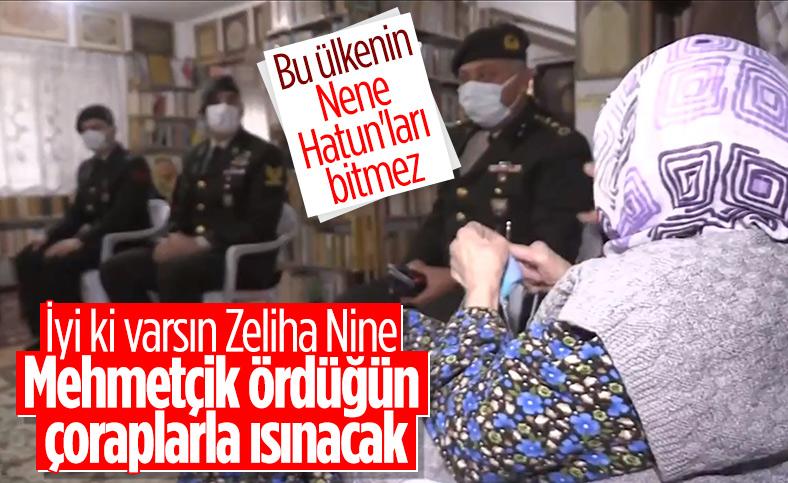 Yalovalı Zeliha Nine, ördüğü çorapları Mehmetçik'e gönderdi
