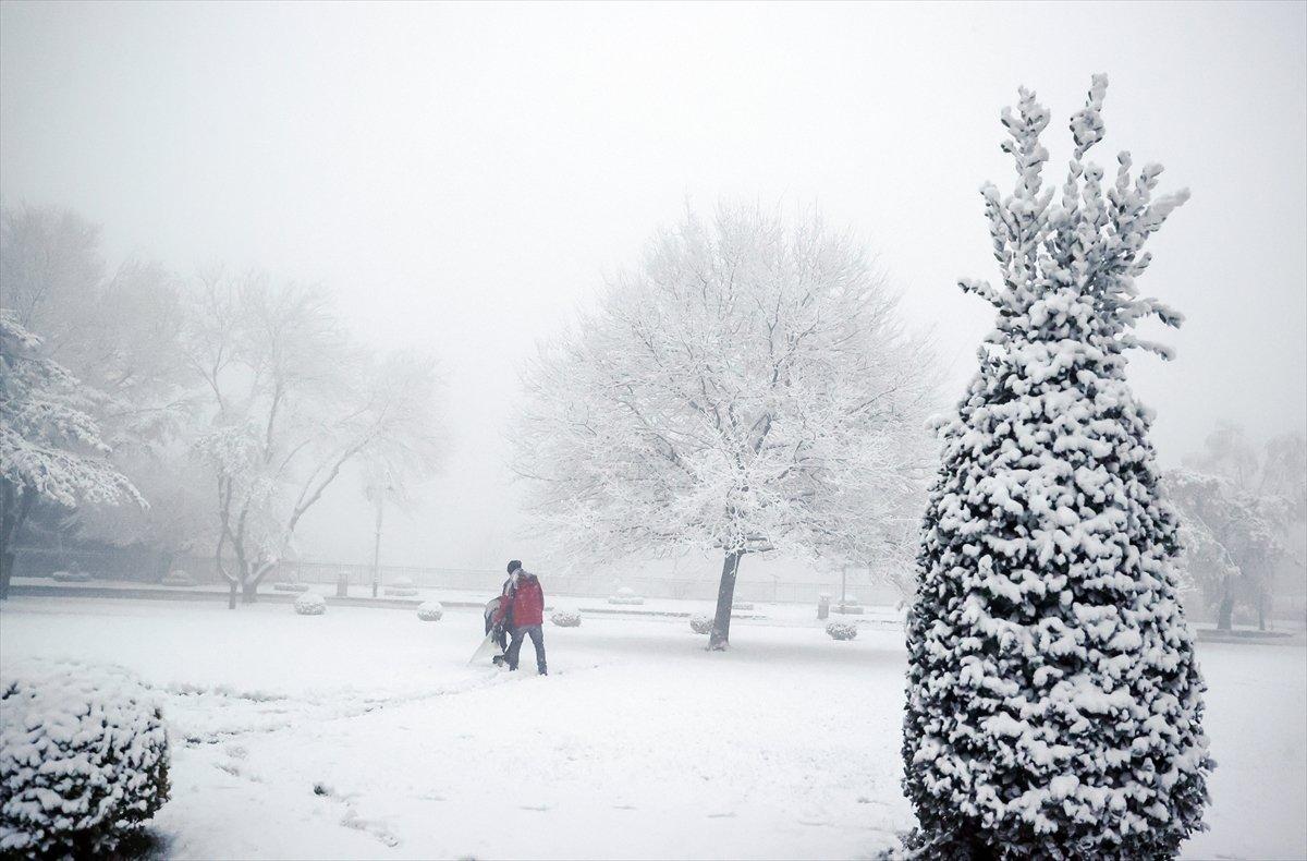 Kar etkisine giren Türkiye de 5 günlük hava durumu #1