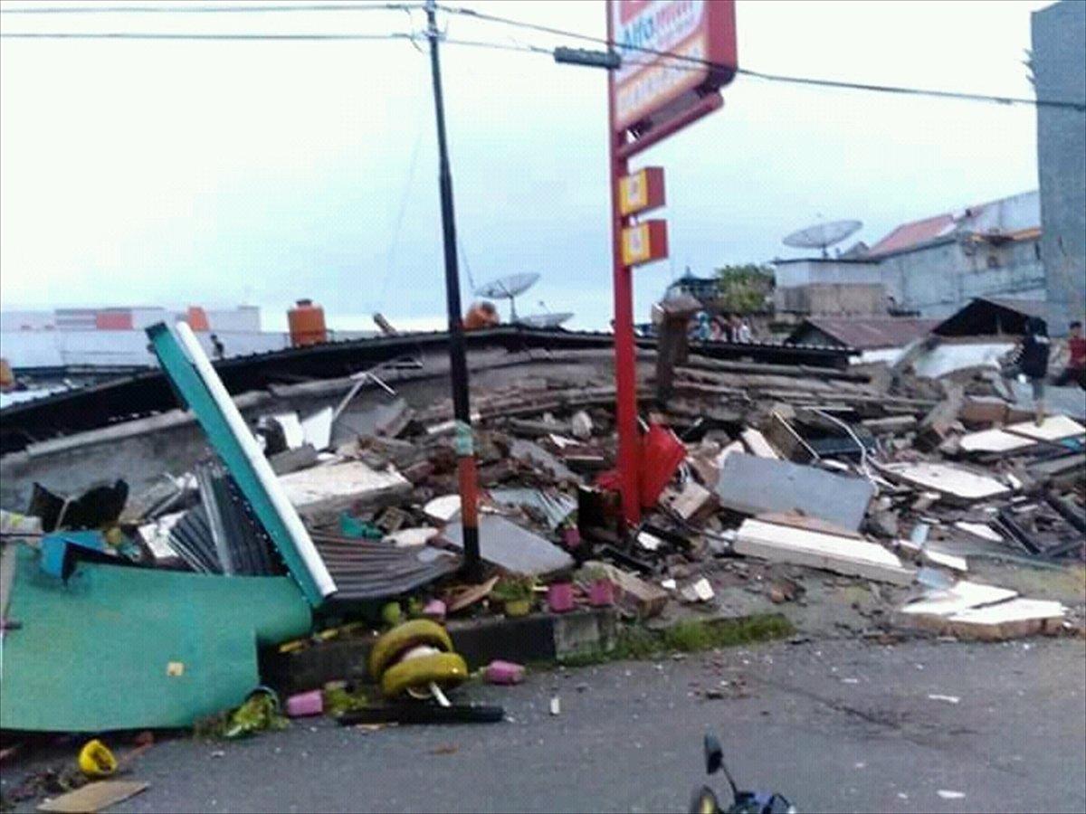 Endonezya da 6,2 büyüklüğünde deprem #8