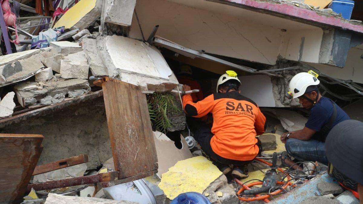 Endonezya da 6,2 büyüklüğünde deprem #2