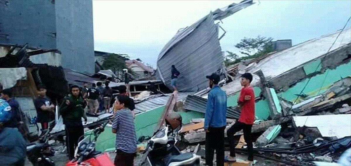 Endonezya da 6,2 büyüklüğünde deprem #13