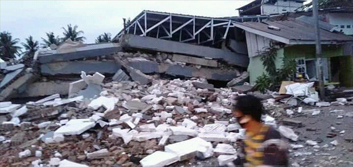 Endonezya da 6,2 büyüklüğünde deprem #9