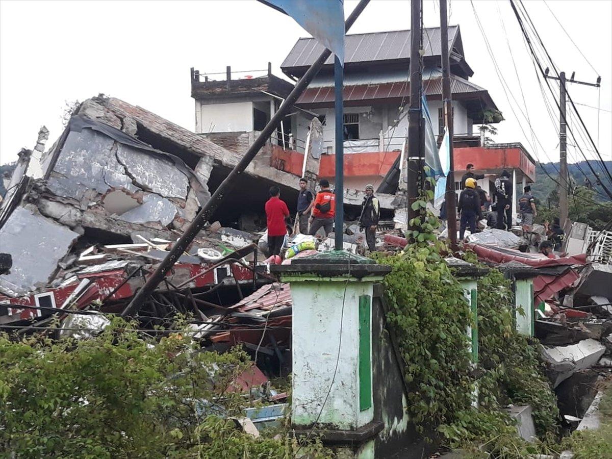 Endonezya da 6,2 büyüklüğünde deprem #6
