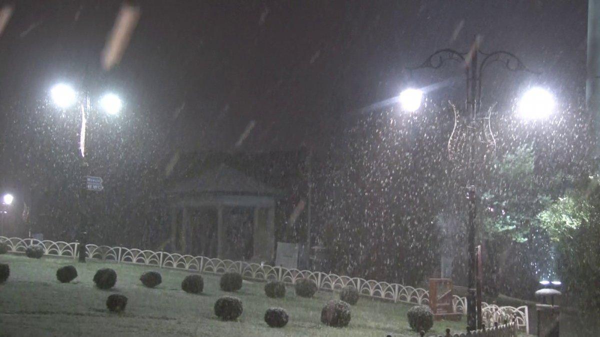 İstanbul da kar yağışı etkisini artırdı #14