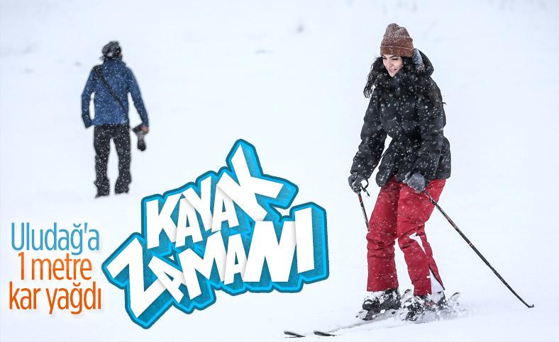 Uludağ'da kar kalınlığı 1 metreye çıktı, pistler şenlendi