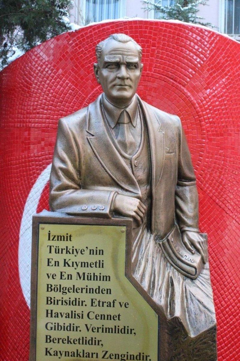 CHP li İzmit Belediyesi nden heykellere 72 bin TL #1