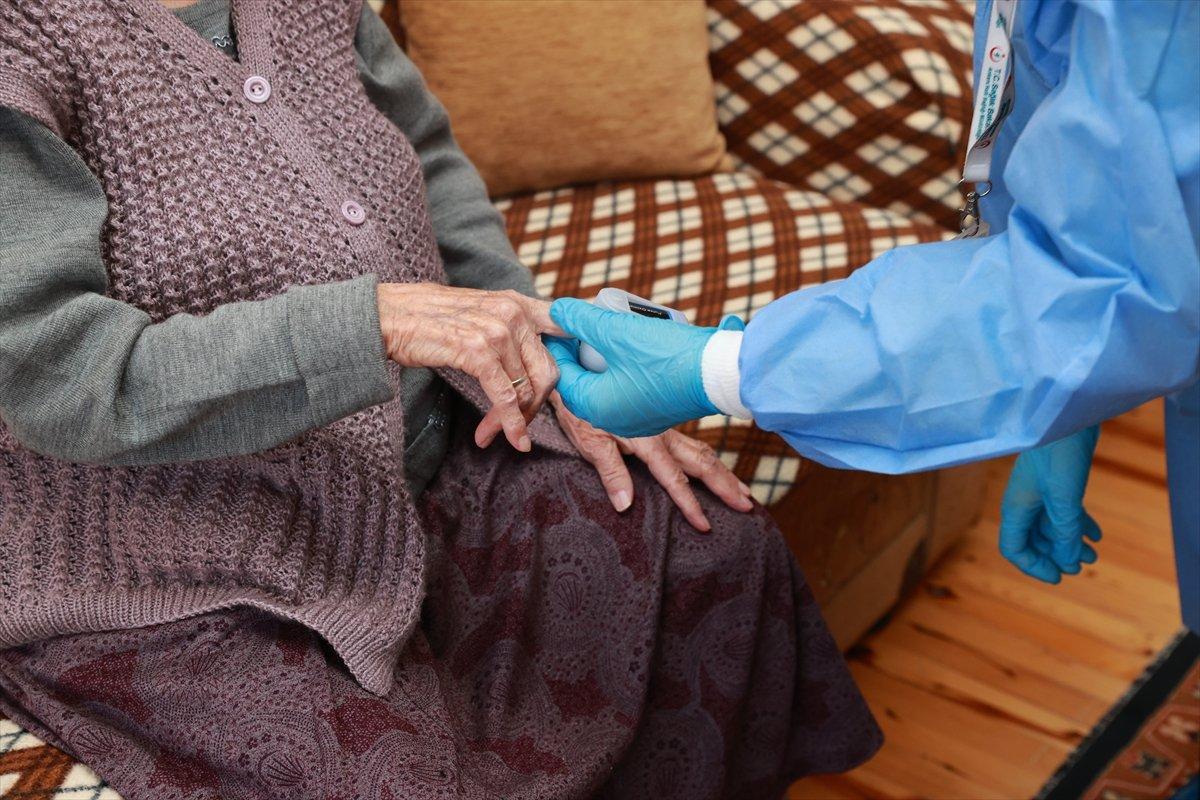 90 yaş üzerindekiler, evden aşılanmaya başlandı #6