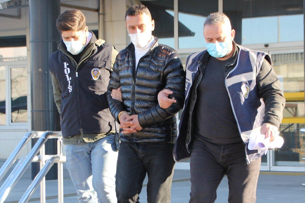 Antalya'da 5 camiyi soyan hırsız tutuklandı