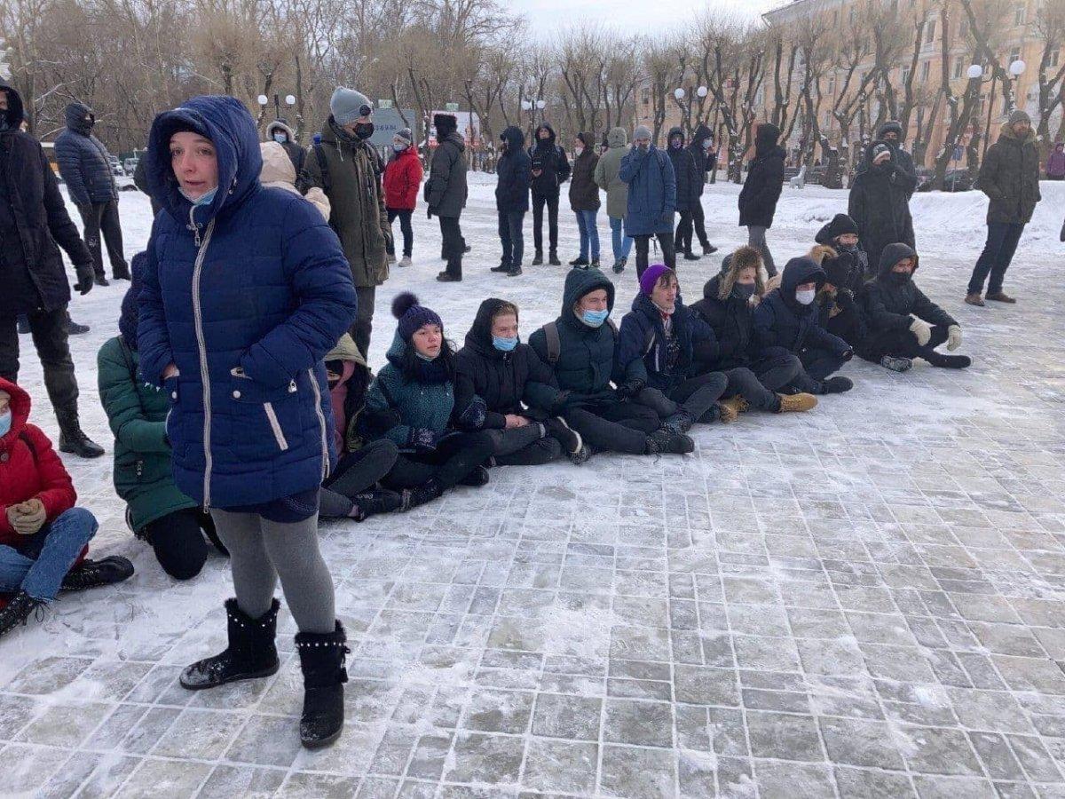 Rusya nın doğu kentlerinde 'Aleksey Navalnıy' protestoları başladı #15