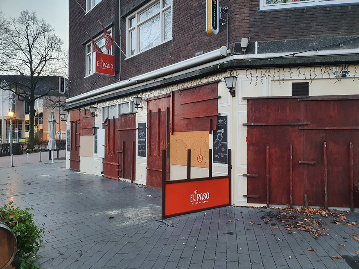 Hollanda da sokağa çıkma kısıtlamasına karşı protestolar devam ediyor #4