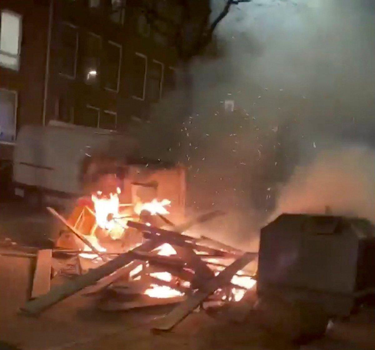 Hollanda da sokağa çıkma kısıtlamasına karşı protestolar devam ediyor #5