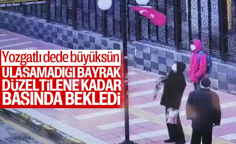 Yozgat'ta yaşlı adamın bayrak hassasiyeti